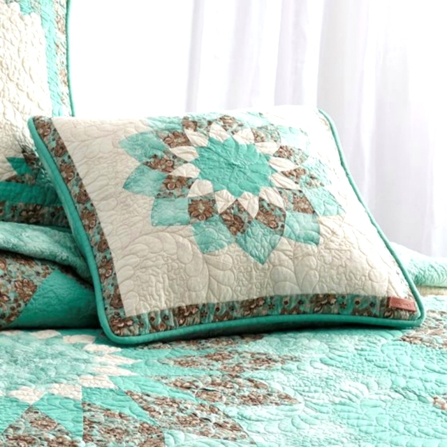 Sea Breeze Dahlia Collection by Donna Sharp | Sea Breeze Dahlia Donna Sharp | Donna Sharp | Donna Sharp Quilt Donna Sharp Quilts