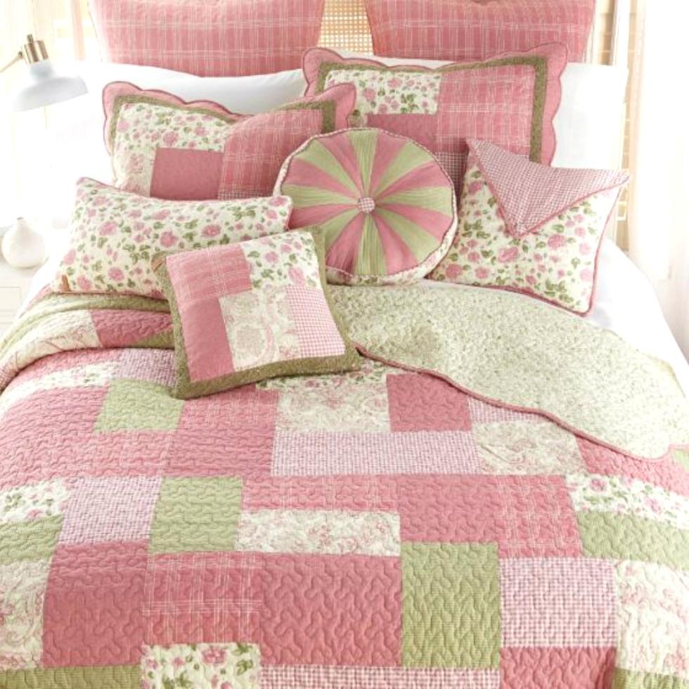 Bashful Rose Quilt by Donna Sharp Donna Sharp Quilts